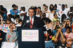 Governor Huckabee announces the ARKids First program